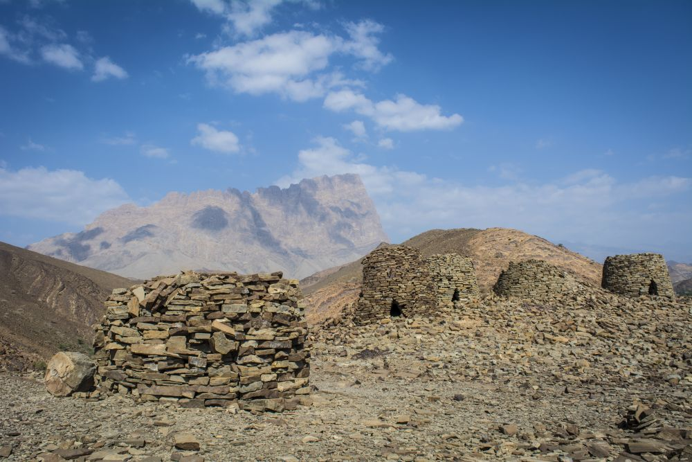 Jabal Misht and Tombs